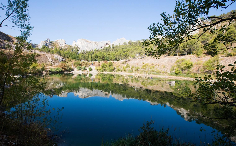 Camping la vall e heureuse en provence for Camping saint remy de provence avec piscine